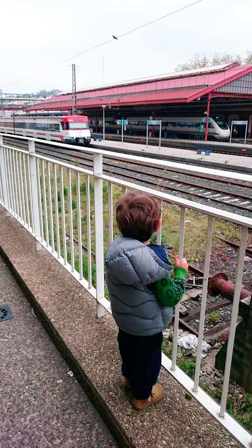 tren_donostia_mispiesgriegos