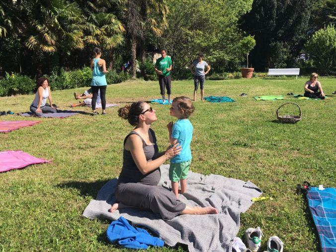 mispiesgriegos_yoga_familia_uliakomintegiak