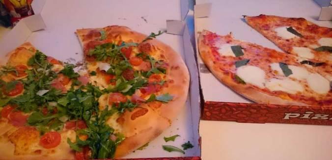 pizzapaparazzi-mispiesgriegos