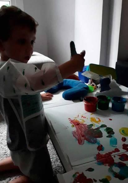 pintando-con-las-manos-mis-pies-griegos