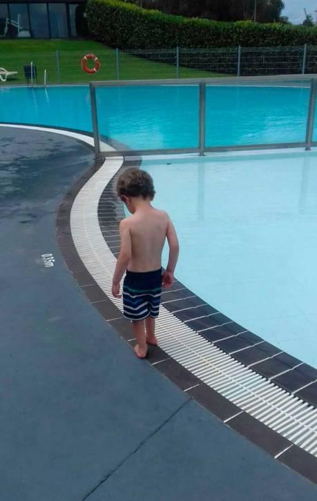 daniel_piscina_intxurrondo_municipal_mispiesgriego