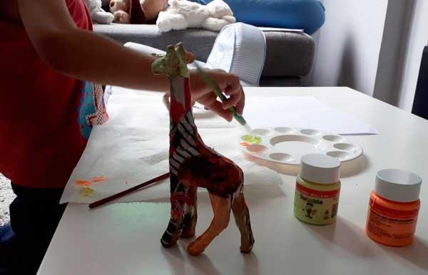 jirafa-decoupage-mispiesgriegos2