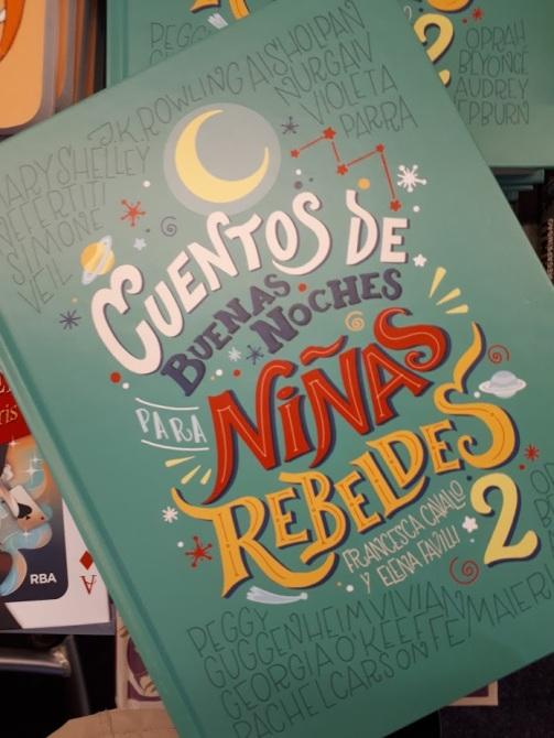 cuentosdebuenasnochesparaninasrebeldes2_mispiesgriegos