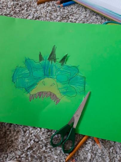 mascara_dinosaurio_mispiesgriegos