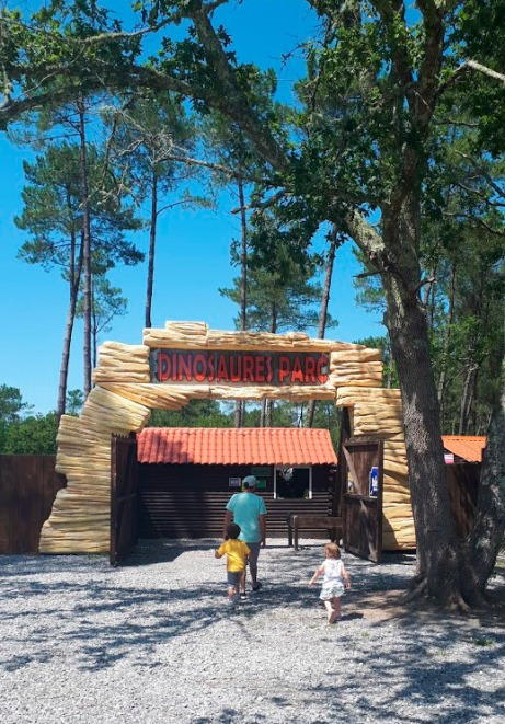 entrada-dinosaures-parc-azur-landas