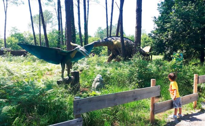 paseo-entre-dinosaurios-azur-dinosaurs-parc-landas-mispiesgriegos2