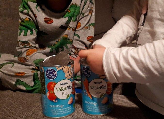abriendo las latas nutripuffs-mspiesgriegos-nestle-packs