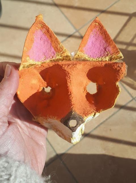 mascara zorro con huevera